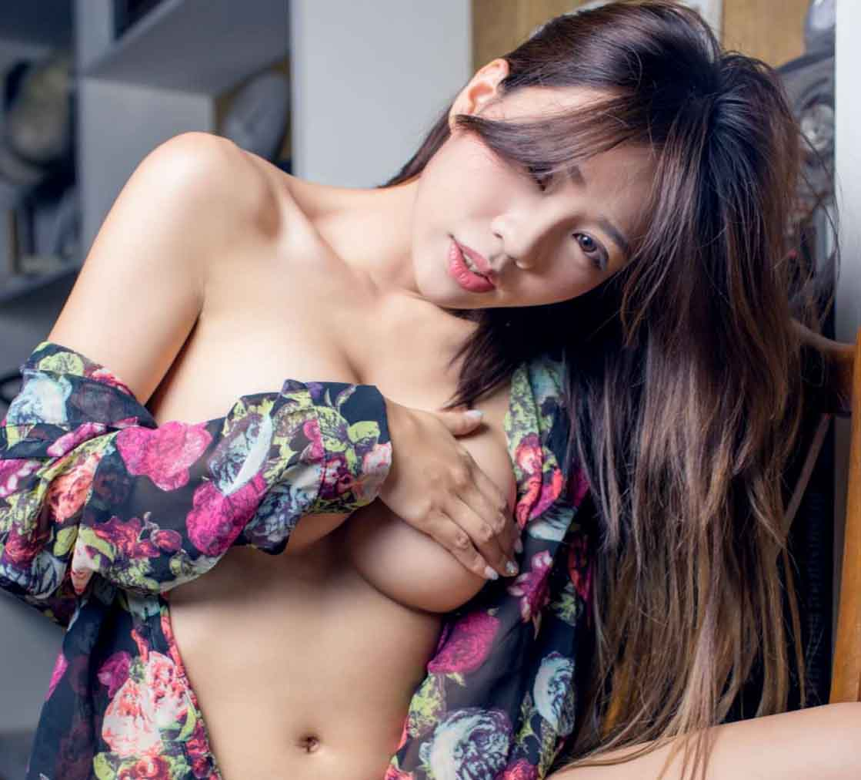 Tuyển tập 40 ảnh HD Full Nude và bán Nude của em Rachel Quyên