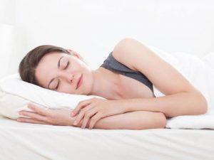 Ngủ sớm được xem là bí quyết làm đẹp hiệu quả nhất