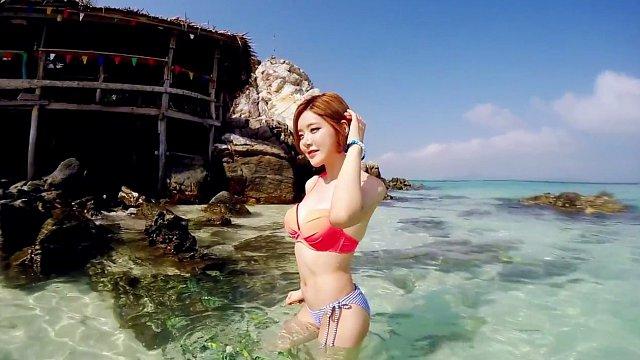 DJ-soda-bikini-5