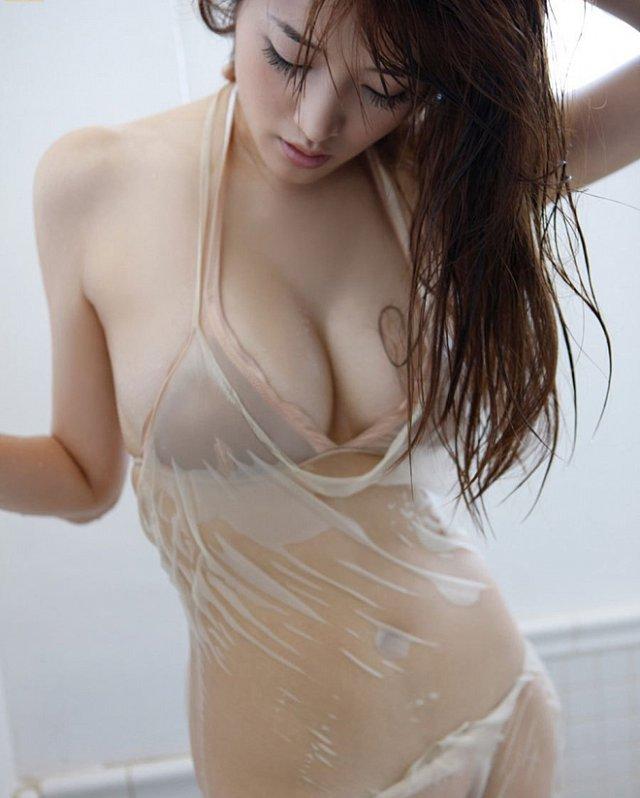 Mai Hakase Full Nude ? Mai Hakase Bikini khoe ngực cực khủng