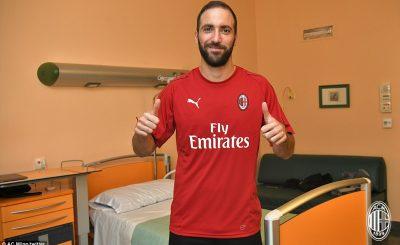 Vua danh hiệu quốc gia, từ bỏ Juventus gia nhập AC Milan